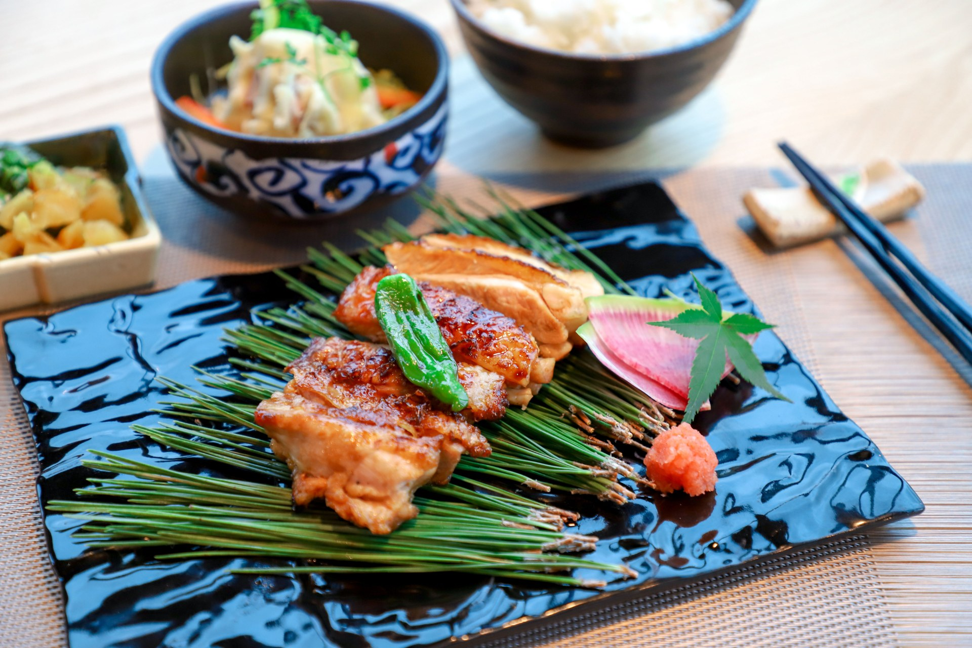 7-japanese-chicken-with-yakitori-sauce-set