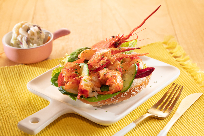 alva-dining-western-seafood-pitstop-lobster-dog