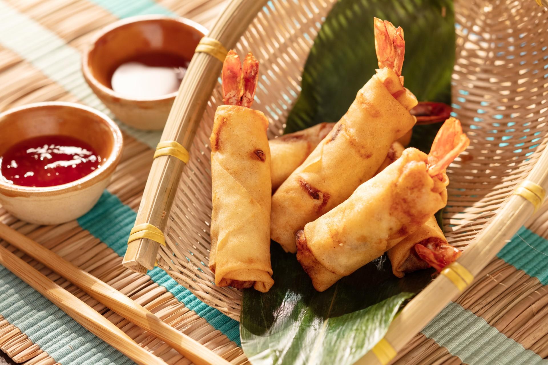 alva-dining-western-snacks-viet-shrimp-vegetable-spring-rolls