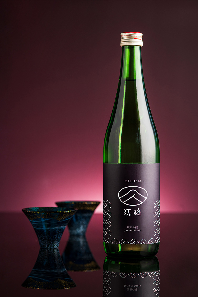 alva-gallery-dining-mizutani-sake-wine-selection