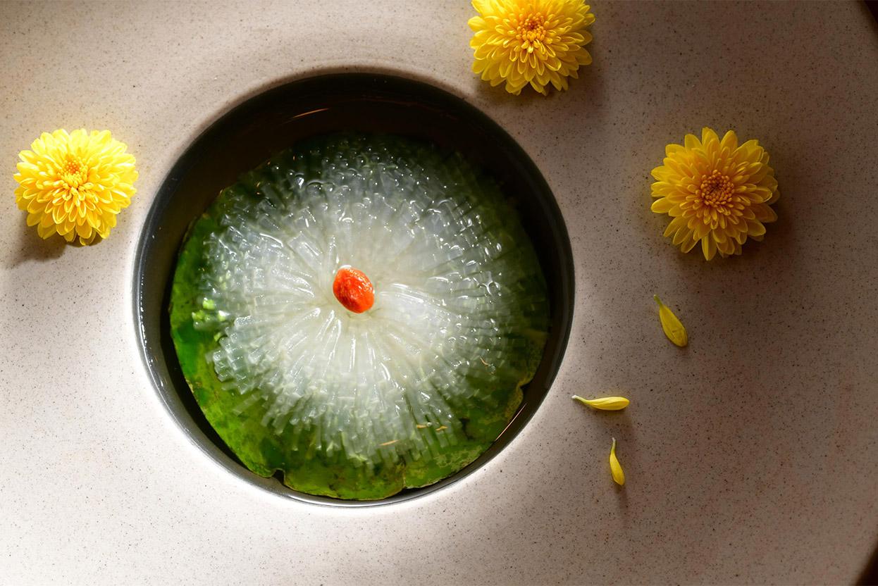 alva-gallery-dining-yat-heen-braised-winter-melon