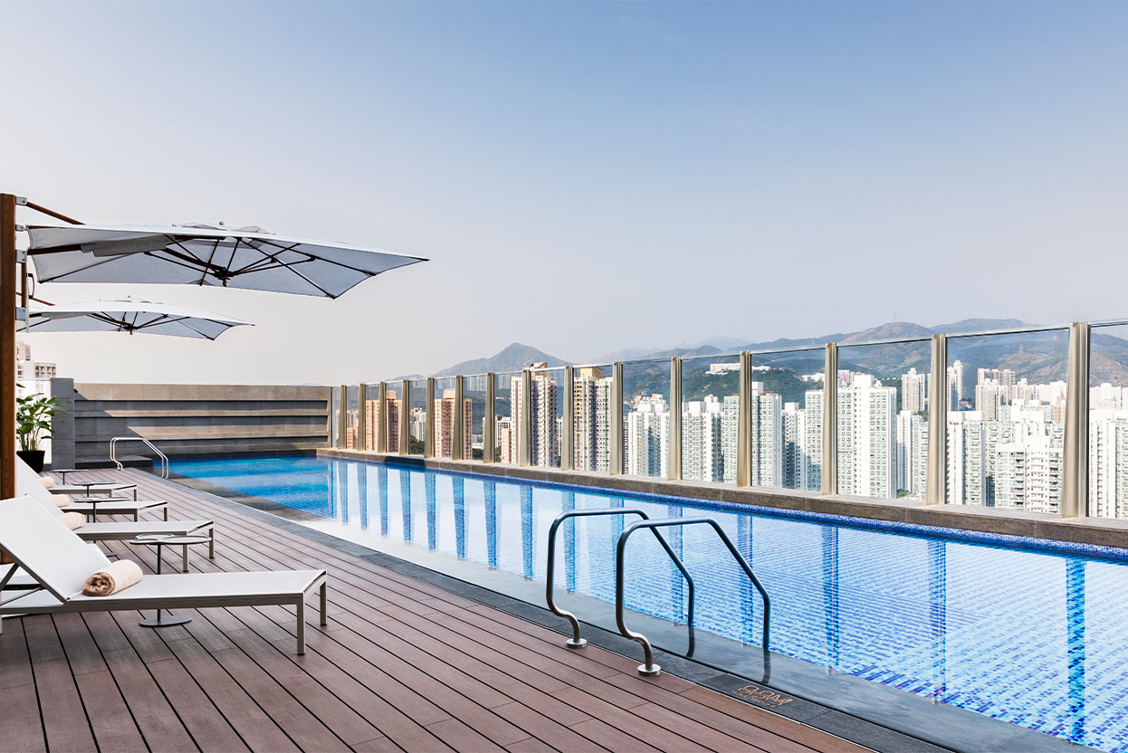 alva-gallery-wellness-display-rooftop-pool-day