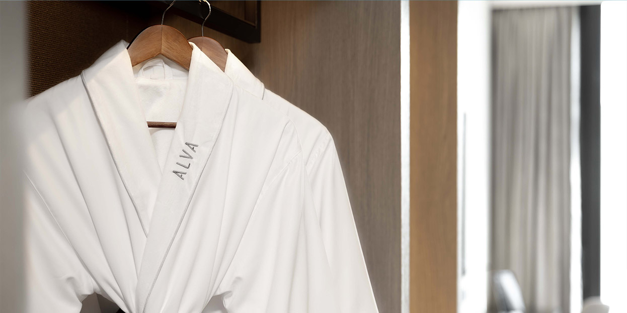 alva-hotel-room-promotion-bathrobe-banner