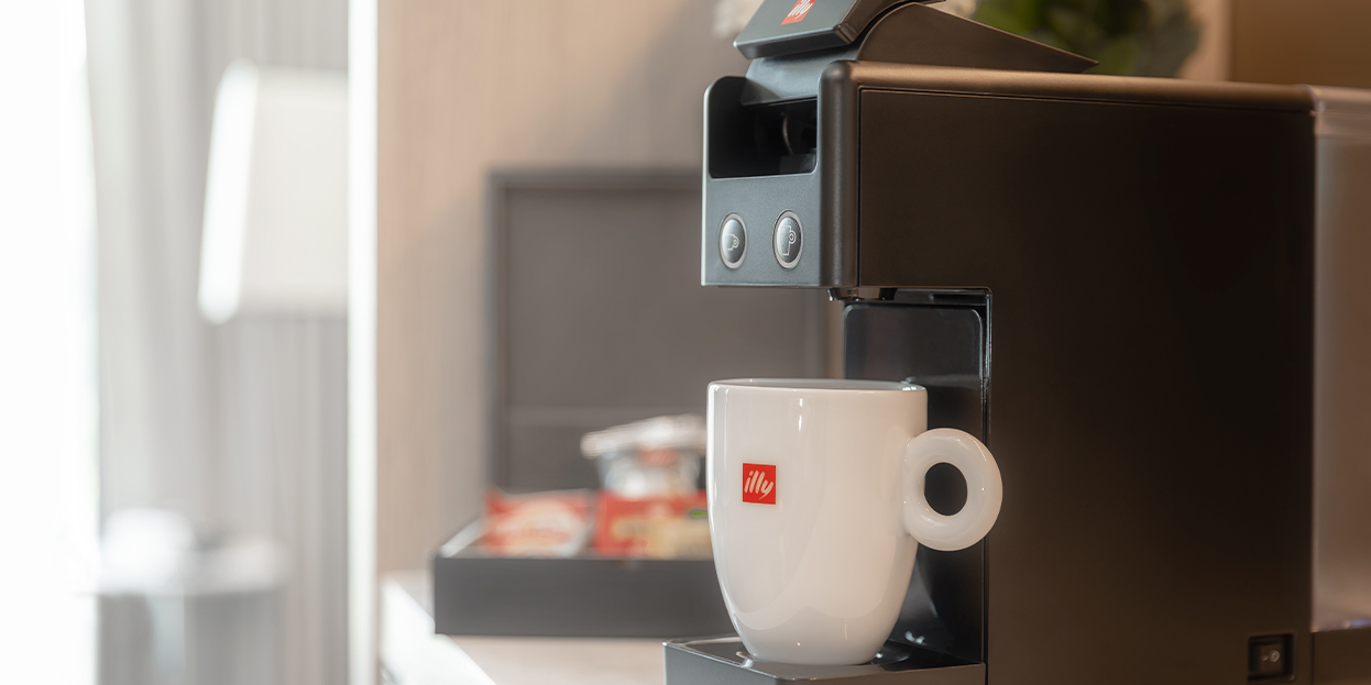 alva-offers-rooms-opening-illy-coffee-machine