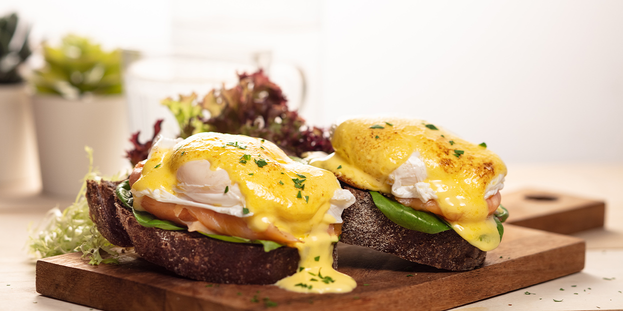 alva-offers-rooms-western-egg-benedict
